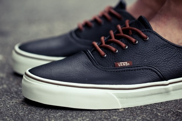 3750c4dbf4 vans authentic 2 colors   Come and stroll!